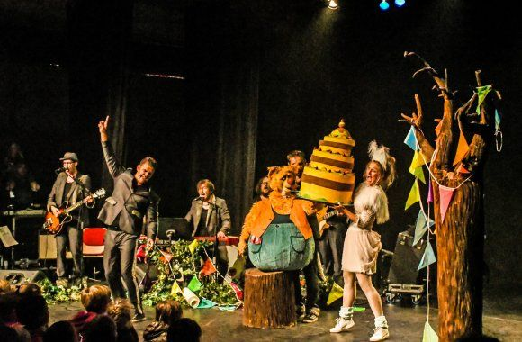 Theater Tieret & Walrus