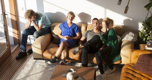 't Zesde Bedrijf & Laura Van Dolron